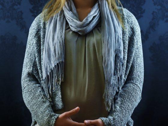 Hoe draag je een sjaaltje als accessoire?