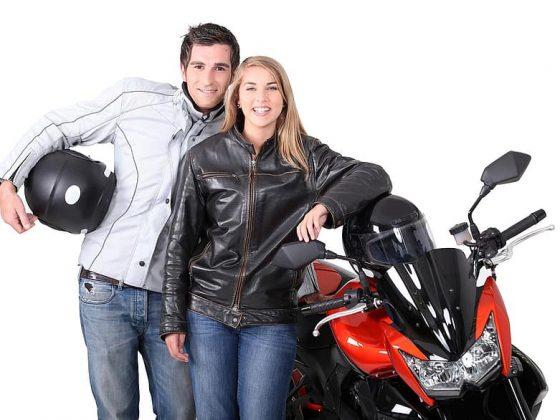 Hoe vind je als vrouw de juiste motoroutfit